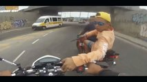 LiveLeak - Motorcycle thief get shot in the Spine - video