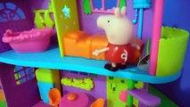 Novelinha em Português Polly Pocket, Peppa Pig Pega Iate Festa Tropical e Desaparece - Ep. 7 ToyKids