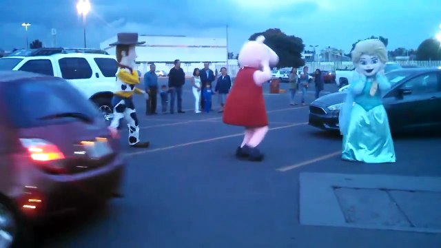 Peppa Pig Elsa y Woody Bailando - Coocholate
