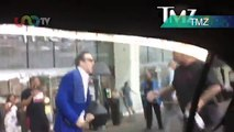 Nicolas Cage defiende a fan de vocalista de Mötley Crüe