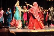 Awesome Punjabi Girls Bhangra  I Wedding Full Punjabi Bhangra I  Wedding Dance I Mehndi dance punjabi beautiful girls dancing - punjabi bhangra wedding dance I Girls Out Standing Mehndi Dance 2016 Wedding