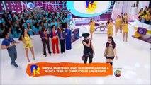 Larissa Manoela e João Guilherme cantam 'Cúmplices de um Resgate' no Domingo Legal.