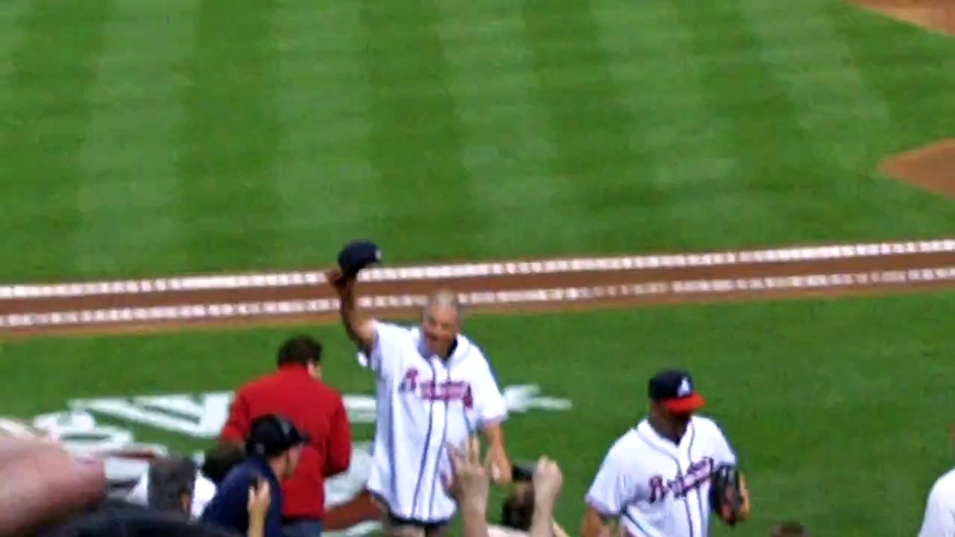 Bobby Cox tips his hat the the fans, Opening Day 2011