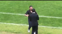 Gennaro Gattuso slaps his assistant during a match xD