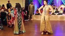 Indian Wedding Mehndi Night BEST Dance On Mehndi Taan Sajdi 2016
