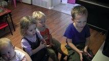 Moje děti si užívají program Little Musician - od Tamsyn