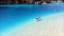 Faire du kayak dans un lagon aux eaux turquoises en Turquie : le rêve