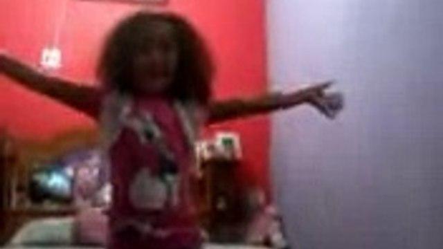 Aprenda a dançar ''Vem Ni Mim Dodge Ram'' com Gabrielly Medeiros.