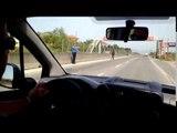 PA KOMENT - Kali shetit në autostradë, polici eviton aksidentet - Top Channel Albania