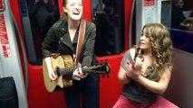 Elles chantent dans le métro et deviennent des stars sur le net en quelques jours