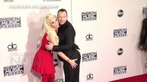 AMAs 2015: Jenny McCarthy GRABS Donnie Wahlbergs BUTT At AMAs 2015