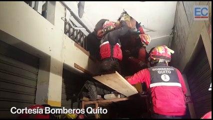 Bomberos resacatan a personas atrapadas en Tarqui