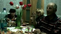 За столом Юля Тимошенко (прикол)