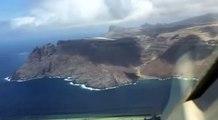 Une piste de 300m de long sur une île accueille son premier avion ! Îles St Hélène