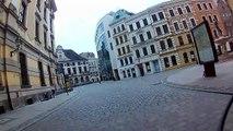 Un cycliste arrête une voleuse à l'arraché en Pologne