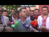 Tregtarët e pazarit të Korçës në protestë ndaj kërkesës për përshtatje të aktivitetit- Ora News