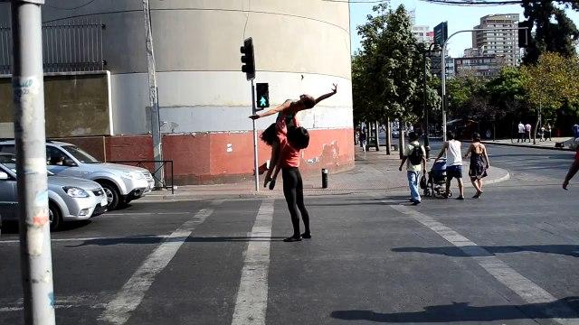Ballet dancers in the streets of Santiago (2)