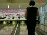 Mathilde et Aurélie au bowling