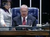 Sen. Ana Rita lê seu parecer à MP 525, que altera a Lei 8.745/93, sobre a contratação de professores