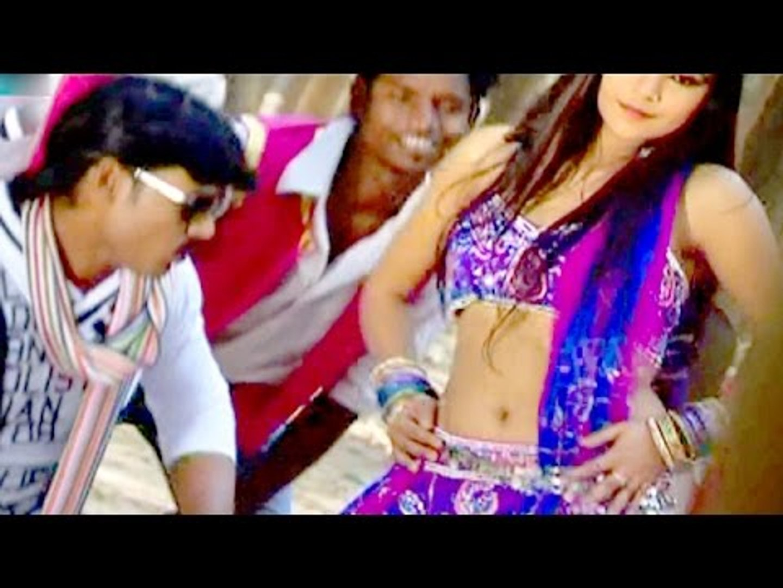 Kamariya Hilor Marata - कमरिया हिलोर मराता   Mokama Ghat   Mukesh Chhabila   Bhojpuri Hot Song