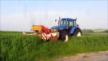 New Holland T7040 Cutting Grass  - video dailymotion