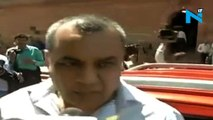 BJP MP Paresh Rawal violates Odd-Even rule in DelhiBJP MP and actor Paresh Rawal violated the odd-even rule on 25th April in Delhi. Paresh Rawal reached Parliament in an even number car on an odd day.The actor paid his challan to police and even apologis