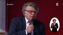 """Gilbert Collard chante Ferrer pour évoquer 'Hé oh la gauche"""""""