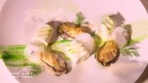 Tubes de bavaroise au concombre, huitres grillées, écume de jus d'huitre crémée par Philipe Etchebest