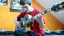 Petite demonstration des talents de guitariste d'Augustin avant son concert à La Cartonnerie de Reims