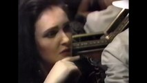 SIOUXSIE & THE BANSHEES – Siouxsie i/v ('The New Music' show, MuchMusic Canadian TV, Aug 1991)