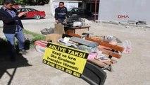 Burdur Kullanılmayan Taksi Durağı Kulübesi Kaçak Olduğu Gerekçesiyle Kaldırıldı