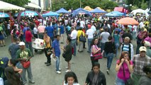 Oposición venezolana recoge firmas para activar revocatorio