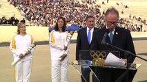 JO 2016 : la flamme olympique officiellement remise au Brésil