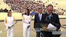 JO-2016: la flamme olympique officiellement remise au Brésil