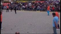 Quelques beaux gestes du quart de finale ROCHER vs SARRIO International à pétanque de l'Olivier à Nyons