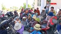 Trao quà cứu trợ cho đồng bào vùng hạn Ninh Thuận