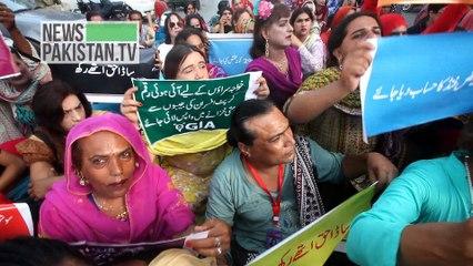 خواجہ سراہوں کی جانب سے کراچی پریس کلب کے باہر احتجاج