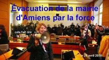 Une assemblée générale en mairie d'Amiens interrompue par la violence policière