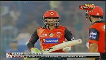 What Sohail Khan Did With The Ball When Camera Focus On Him