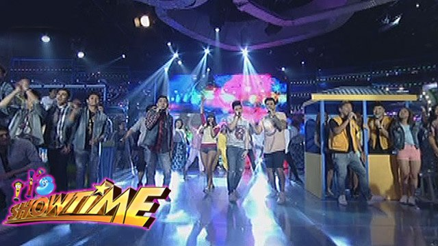 It's Showtime: It's Showtime family performs Sampaguita hit songs