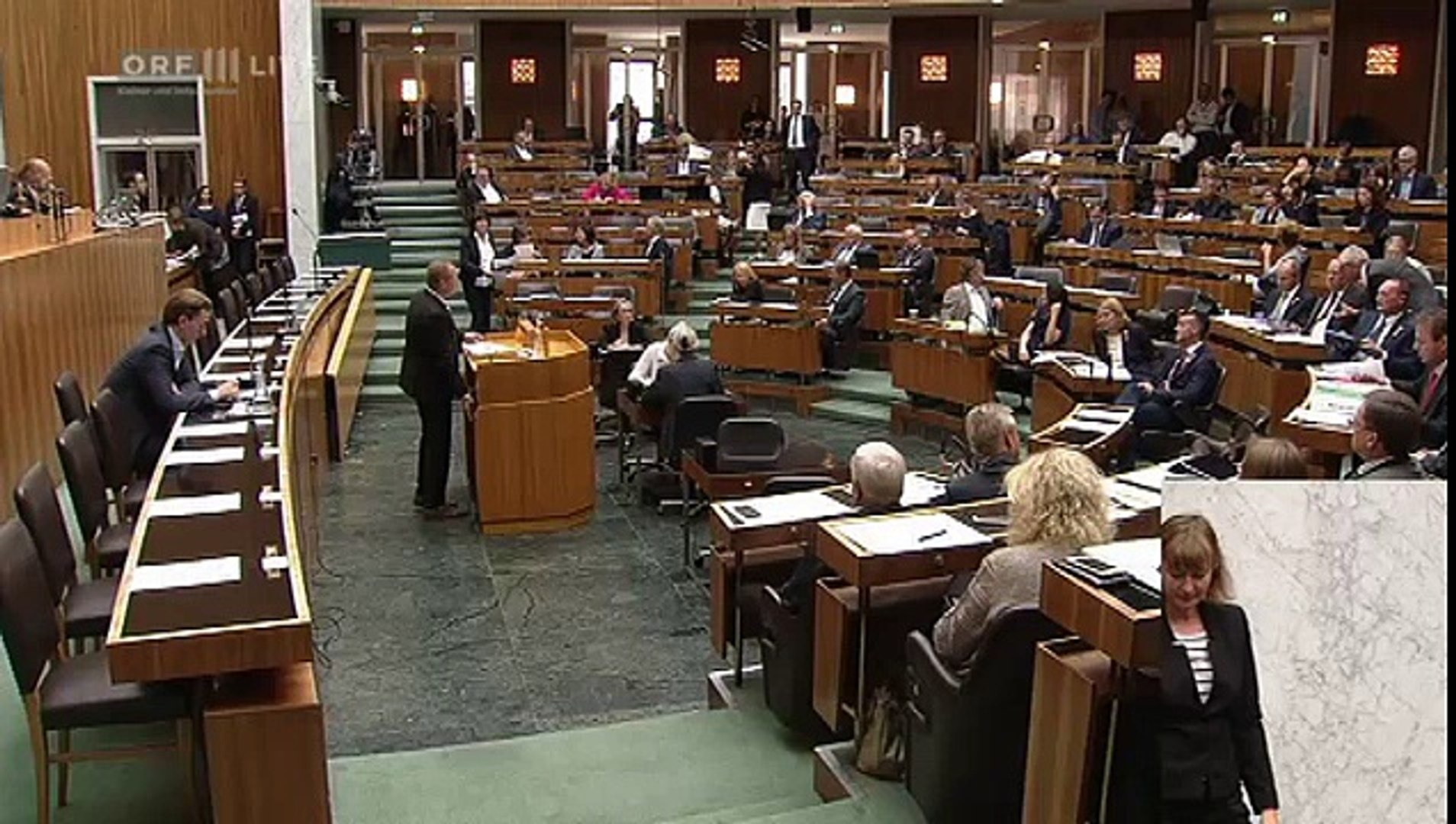 Plenarsitzung des Nationalrats Teil 2 Harald Vilimsky FPÖ 2015 09 23 0900 tl 06 Politik LIVE H
