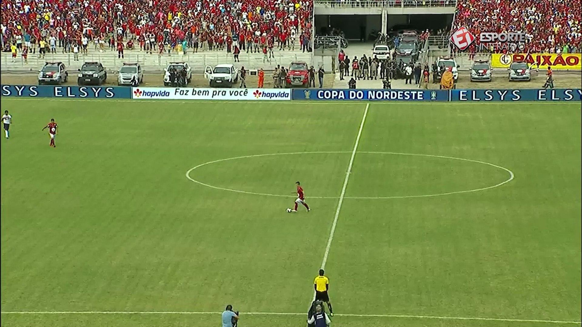 RODRIGÃO!!! Camisa 9 do Campinense sobe bonito e manda de cabeça, mas Tiago Cardoso defende em segur