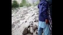 Si vous n'avez jamais vu de rivière de rochers, vous allez halluciner devant cette vidéo