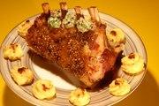Recette d'Anne Alassane : carré de veau façon tournedos et pommes duchesse, beurre maître-d'hôtel