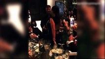 Une femme a payé 90 000$ pour rouler une pelle à Ricky Martin