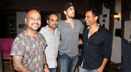 Sidharth Malhotra Spotted At Hakim's Aalim Salon