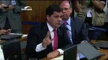 Bate-boca entre Ricardo Ferraço e Lindberg interrompe sessão da comissão do impeachment no Senado