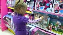 ✔ Ярослава и шоппинг в магазине игрушек Видео для детей. Покупка Русалочки с Аквариумом ✔