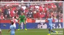 Los 3 mejores goles de Alexis Sanches por el ArsenalThe best goals Alexis Sanchez for Arsenal.
