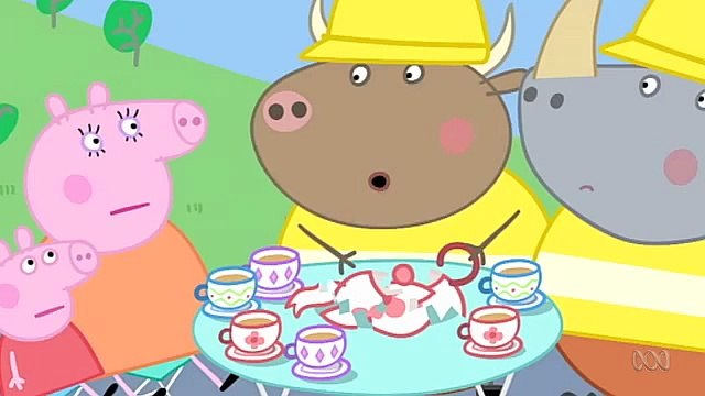 Peppa Pig. Mr Bull in a China Shop. Mummy Pig and Daddy Pig and George Pig